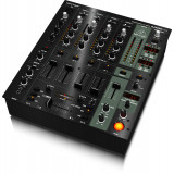 Мікшерний пульт для DJ Behringer DJX900USB